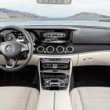 autonet_Mercedes-Benz_E_klasa_W_213_2016-02-19_045