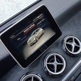 U malobrojnu, no (uobičajeno) ne odveć jeftinu dodatnu opremu testiranog automobila spada i 203-milimetarski zaslon infotainment sustava s CD playerom i pripremom za navigaciju te BT podrškom