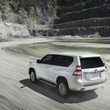 autonet_Toyota_Land_Cruiser_2015-12-03_002