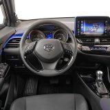 Prema pitanju ergonomije možemo zaključiti da je Toyota odradila zadovoljavajuć posao. Ipak, relativno mali hod podesivog obruča upravljača mogao bi nekima i smetati