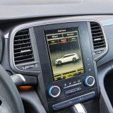 Ugrađen je i sustav Multi-Sense kojim se podešavaju brojni parametri vožnje. Opcija Perso nudi osobno podešavanje svake od devet ponuđenih stavki