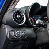 """Kakav bi to bio Alfa Romeo bez karakterističnih otvora ventilacije i """"tunela"""" u kojima su skriveni glavni instrumenti? Prekidača za isključivanje ESP sustava nema. Nigdje."""
