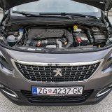 Ovom se prilikom pod prednjim poklopcem Peugeota 2008 našla izvedba 1,6-litrenog BlueHDi motora srednje snage, dakle ona koja raspolaže s 99 KS pri 3750 o/min te 254 Nm pri 1750 o/min