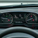 Peugeotov i-Cockpit donosi niz prednosti među kojima svakako treba izdvojiti bolju preglednost glavnih instrumenata, ali i obruč upravljača koji je moguće postaviti uz dosta mali nagib