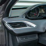 Serijski ESP sustav pohvalan je dio opreme svakog Peugeota 2008. Također, tu je i Hill-holder koji predstavlja još jedan itekako koristan detalj
