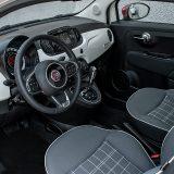 Kako ništa ne bi bilo prepušteno slučaju, Fiat 500 Lounge CRO je solidno opremljen sigurnosnim sustavima. Pored serijskog ESP-a, tu je i sedam zračnih jastuka što uključuje i (u automobilu ovih dimenzija uvijek dobrodošao) zr. jastuk za zaštitu koljena vozača