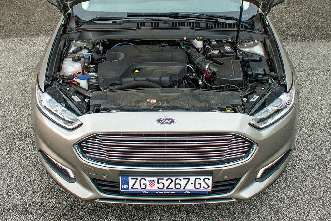Testirani Mondeo je pokretao 2,0-litreni turbodizelski 4-cilindrični motor snage 110 kW, odnosno 150 KS pri 3500 o/min te najvećeg okretnog momenta od 350 Nm između 2000 i 2500 o/min