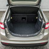 Prostrani prtljažnik nudi zapreminu od 550, odnosno preklapanjem naslona stražnje klupe zapremina raste na 1466 dm3. Praktičnosti će pripomoći peta vrata te ravna podnica prtljažnika