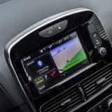 Zaslon R-Link sustava je, uz kameru za vožnju unatrag i SD karticu navigacijskog sustava funkcionalan, a s mogućnošću praćenja specifičnih vrijednosti kao što su razvoj snage i momenta, G sile te ubrzanja i vrlo zanimljiv. No, R-Link traži dosta privikavanja. Priloženi USB, AUX i Bluetooth su uvijek dobrodošli