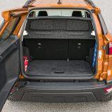 Rješenje s otvaranjem vratiju na stranu, a ne prema gore isprva se može učiniti zanimljivim, no to stalno treba imati na umu pri parkiranju, posebno uz zid garaže. Podnicu prtljažnika je moguće postaviti na dvije razine