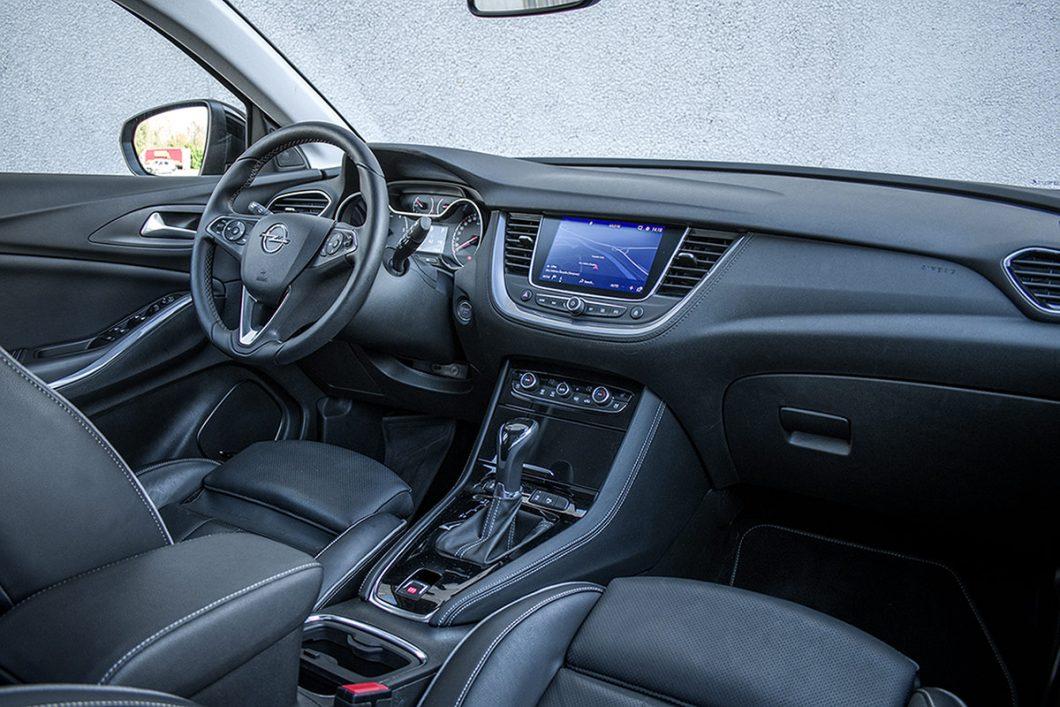 Kvaliteta izrade te upotrijebljeni materijali su se doimali poprilično visokim, dakle upravo onakvima kakve vozilo poput Grandlanda X i zaslužuje