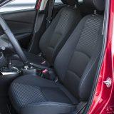 Ergonomiji doista nemamo što zamjeriti, uz opasku da svi mali automobili imaju i relativno mala prednja sjedala pa će već prosječno visokima nedostajati dužine u sjedalnom dijelu