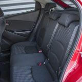 Na stražnjim će se sjedalima bez problema smjestiti i osobe visoke 180 cm što je za jedan automobil iz B segmenta doista sjajno. Pri tome, prtljažnik nije nimalo zakinut