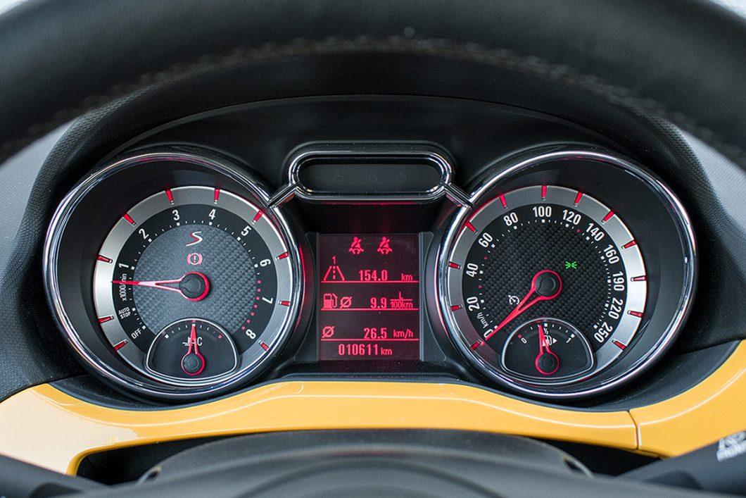 """Test smo završili potrošnjom goriva od 9,5 l/100 km u gradskoj vožnji te 6,3 na otvorenoj cesti što i nije pretjerano nadišlo tvornički """"zamišljene"""" vrijednosti koje iznose 8,2 i 5,3 litre"""