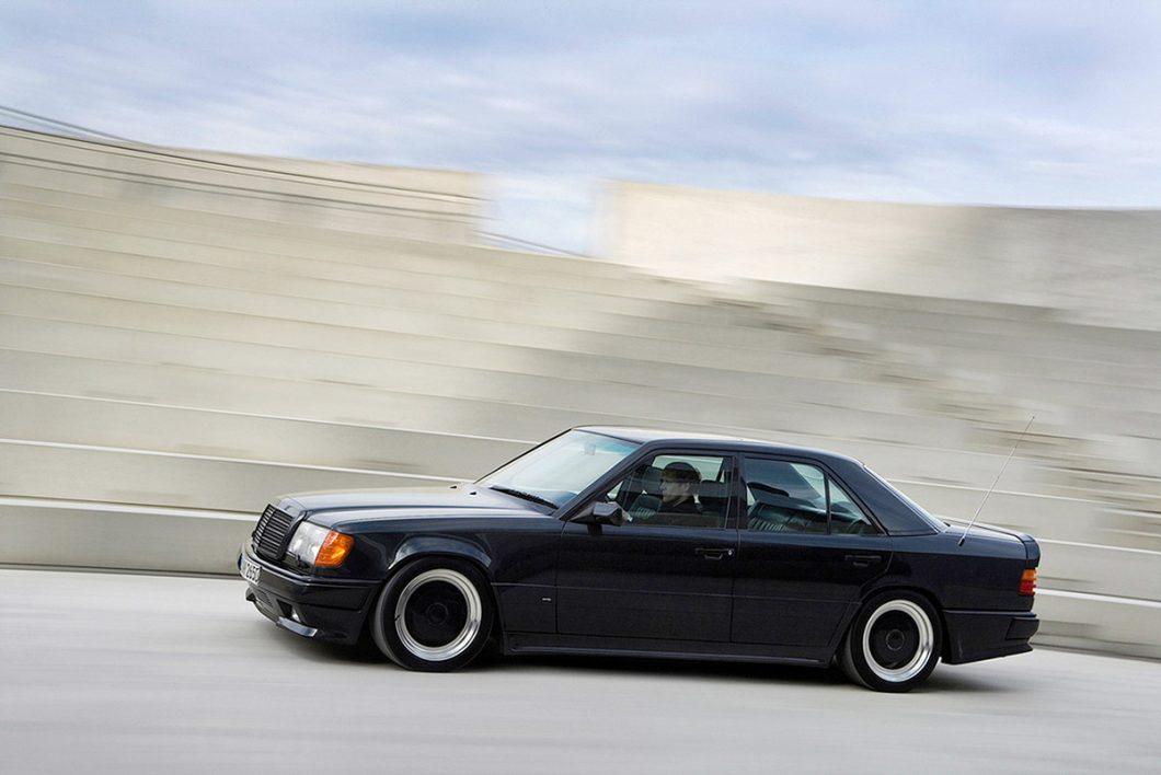 """Serija W 124 sa snagom od 265 kW (360 KS) dobila je nadimak """"The Hammer"""" (1987.)"""