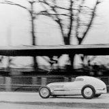 Rudolf Caracciola za upravljačem Mercedes-Benza W 25 Stromlinie na stazi Avus, 10. prosinca 1934.