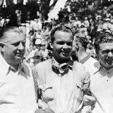 Alfred Neubauer, Rudolf Caracciola i Rudolf Uhlenhaut snimljeni na utrci Coppa Acerbo pokraj Pescare, 14. kolovoza 1938.