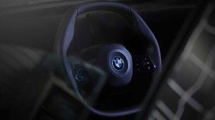 BMW iNext s višekutnim upravljačem