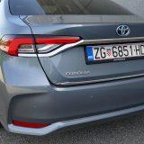 autonet.hr_Toyota_Corolla_Sedan_Hybrid_300_test_2019-09-20_008