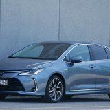 autonet.hr_Toyota_Corolla_Sedan_Hybrid_300_test_2019-09-20_009
