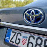 autonet.hr_Toyota_Corolla_Sedan_Hybrid_300_test_2019-09-20_015