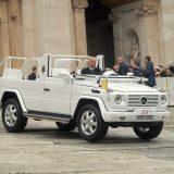 Registarske pločice vatikanskih vozila nose oznaku SCV (Status Civitatis Vaticanae) i pripadajući broj