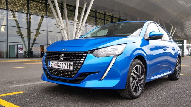 Peugeot 208 je Car of the Year 2020.