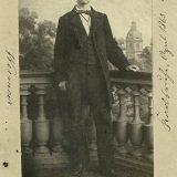Karl Benz kao student, snimljen u travnju 1863. Godinu dana kasnije diplomirao je strojarstvo na Univerzitetu u Karlsruheu