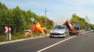 U Mađarskoj kamerom zabilježena samo srećom izbjegnuta nesreća