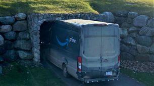 Dostavljač slušao GPS pa zaglavio kombijem u malenom tunelu