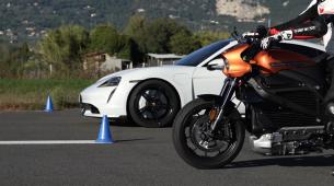 Što brže ide na struju – Porsche ili Harley-Davidson?