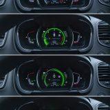 """Digitalna ploča s instrumentima nudi četiri dizajna, a tu je još i mogućnost promjene boja te """"bezbroj"""" drugih podešavanja putem sustava R-Link"""