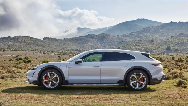 Porsche Taycan Cross Turismo – električni shooting brake