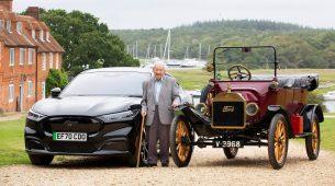 101-godišnjak vozio je Fordov Model T i Mustang Mach-E