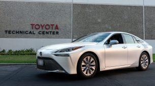 Toyota Mirai prešla 1.360 kilometara s 5-minutnim punjenjem vodika