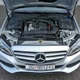 Testirani 4-cilindrični Common Rail obujma od 1598 cm3 svoje podrijetlo ima u ne tako davno započetoj suradnji Daimlera AG i alijanse Renault Nissan. Riječ je o pogonskom stroju najveće snage od 116 KS i najvećeg okretnog momenta od 280 Nm između 1500 i 2800 o/min