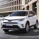 autonet_Toyota_RAV4_Hybrid_2016-02-05_012