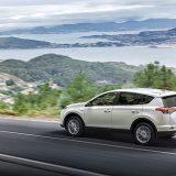 autonet_Toyota_RAV4_Hybrid_2016-02-05_027